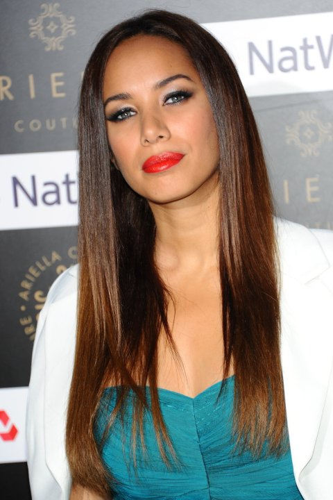 leona_lewis_brown_hair_blue_st
