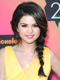 Selena-Gomez-Fishtail-Braid-Hair